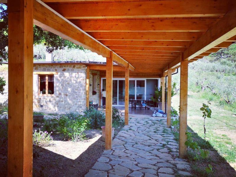 pergolato-in-legno-per-giardino